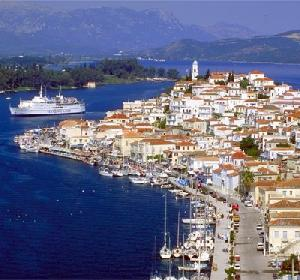 Travel to Poros Photo Gallery  -  THE VIEW OF THE PORT